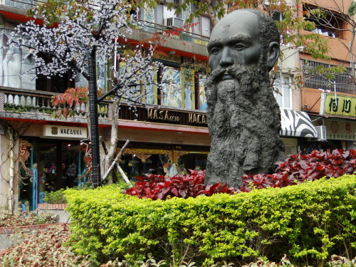 George Leslie Mackay Taiwan Statue