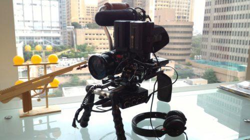 Dokumentarfilm-Kamera im Büro von Freddy Lim