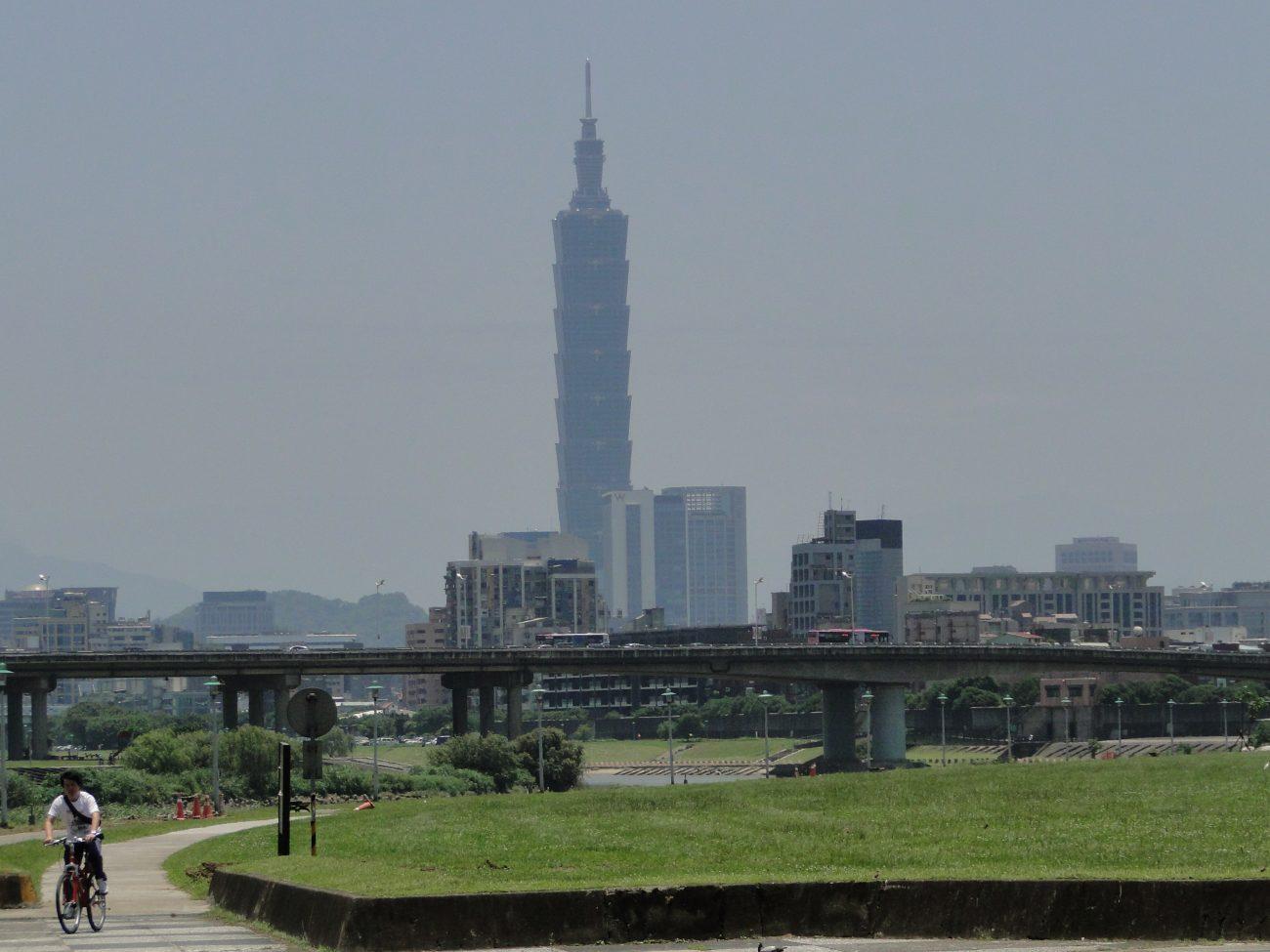 Fahrradweg Flussufer Park Taipei 101